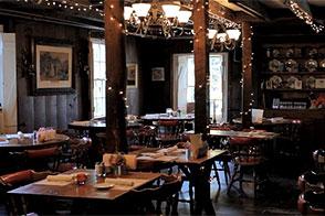 Tom restaurant